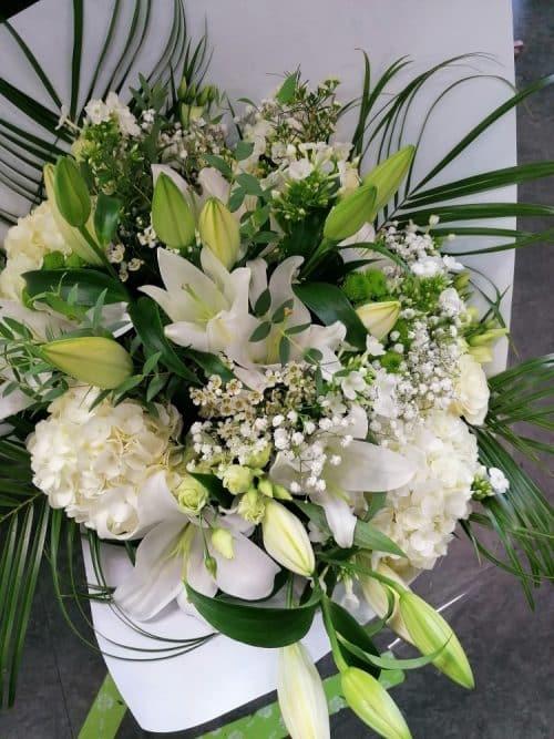 Folie blanche bouquet romantique